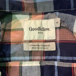 Shirts - Short Sleeve Button Up - Goodfellow - Medium